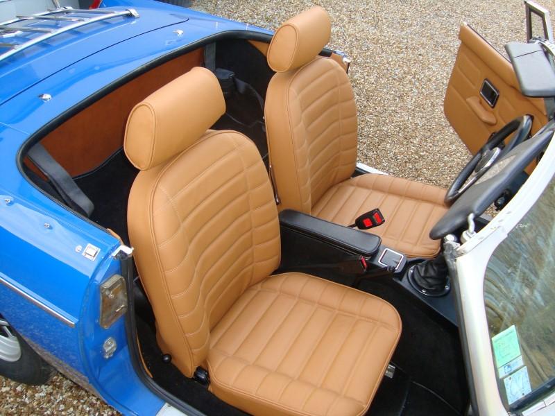 exemples de sellerie pour voitures anciennes r centes sellerie concept. Black Bedroom Furniture Sets. Home Design Ideas